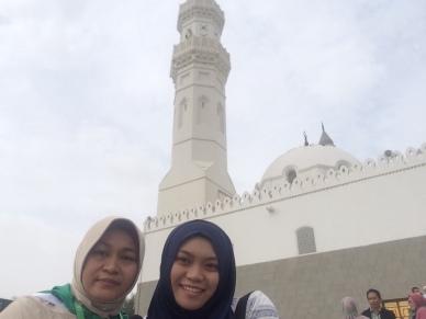 Bersama Mama di Masjid Quba